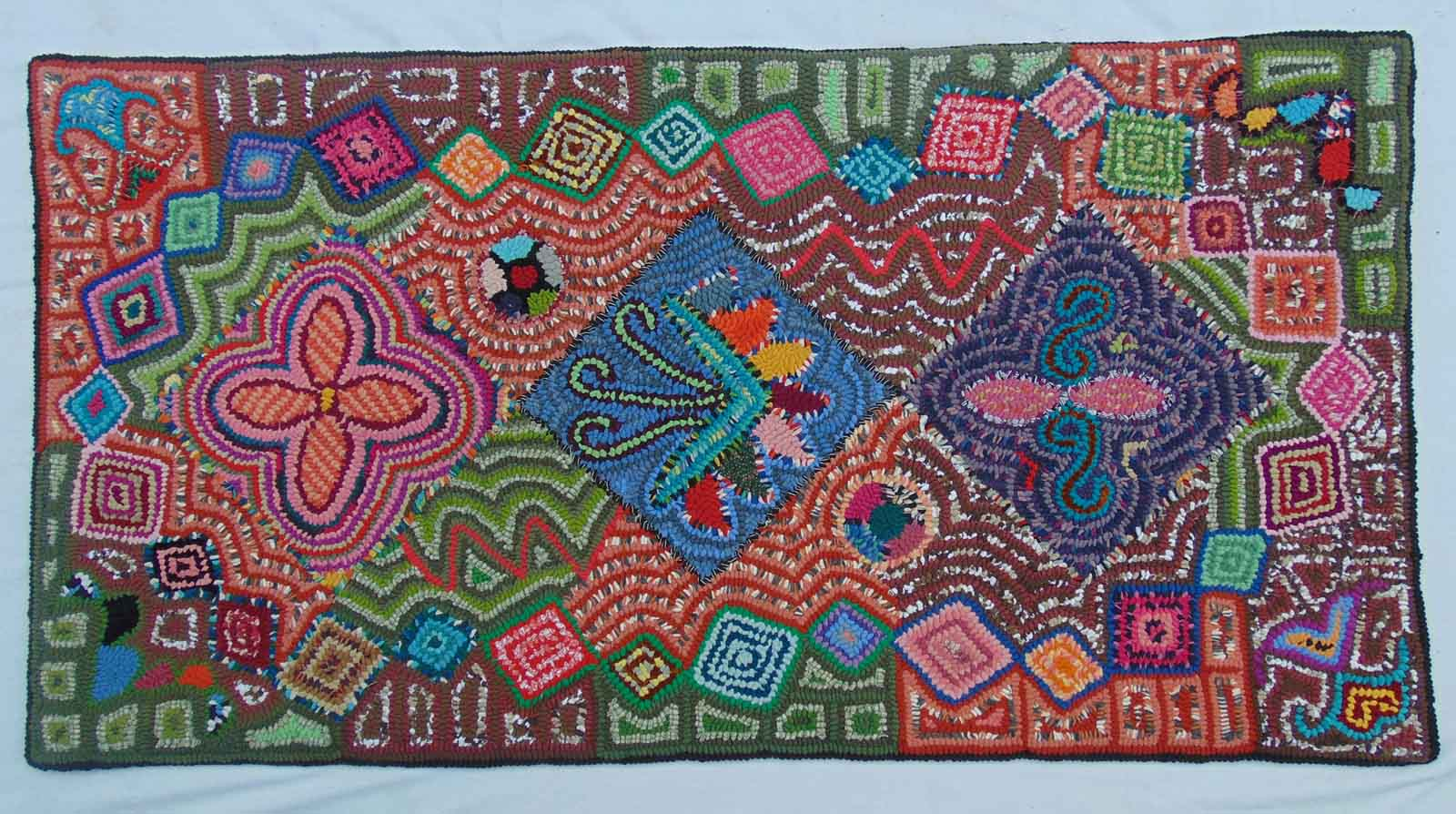 Multicolores Maya Women S Rug Hooking Cooperative Ifam